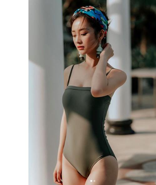 Hotgirl Việt nào đang thắng thế trong cuộc chiến vòng eo 56 mùa hè này? - Ảnh 13.