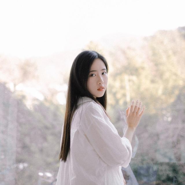 Sở hữu vẻ đẹp tinh khôi, dịu dàng, cô bạn 21 tuổi đăng quang hoa khôi Học viện ngoại ngữ Chiết Giang - Ảnh 16.