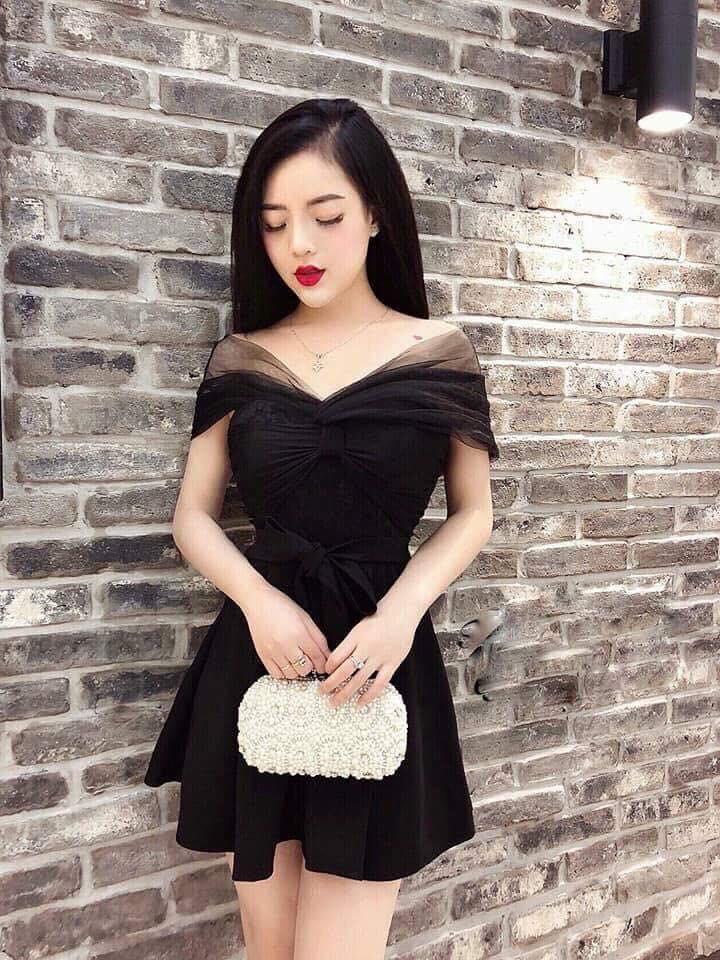 Cô gái đặt mua chiếc váy được shop cam kết y hình, cứ tưởng xinh đẹp lộng lẫy ai ngờ ngã ngửa khi khoác cả đống vải màn trước ngực - Ảnh 2.