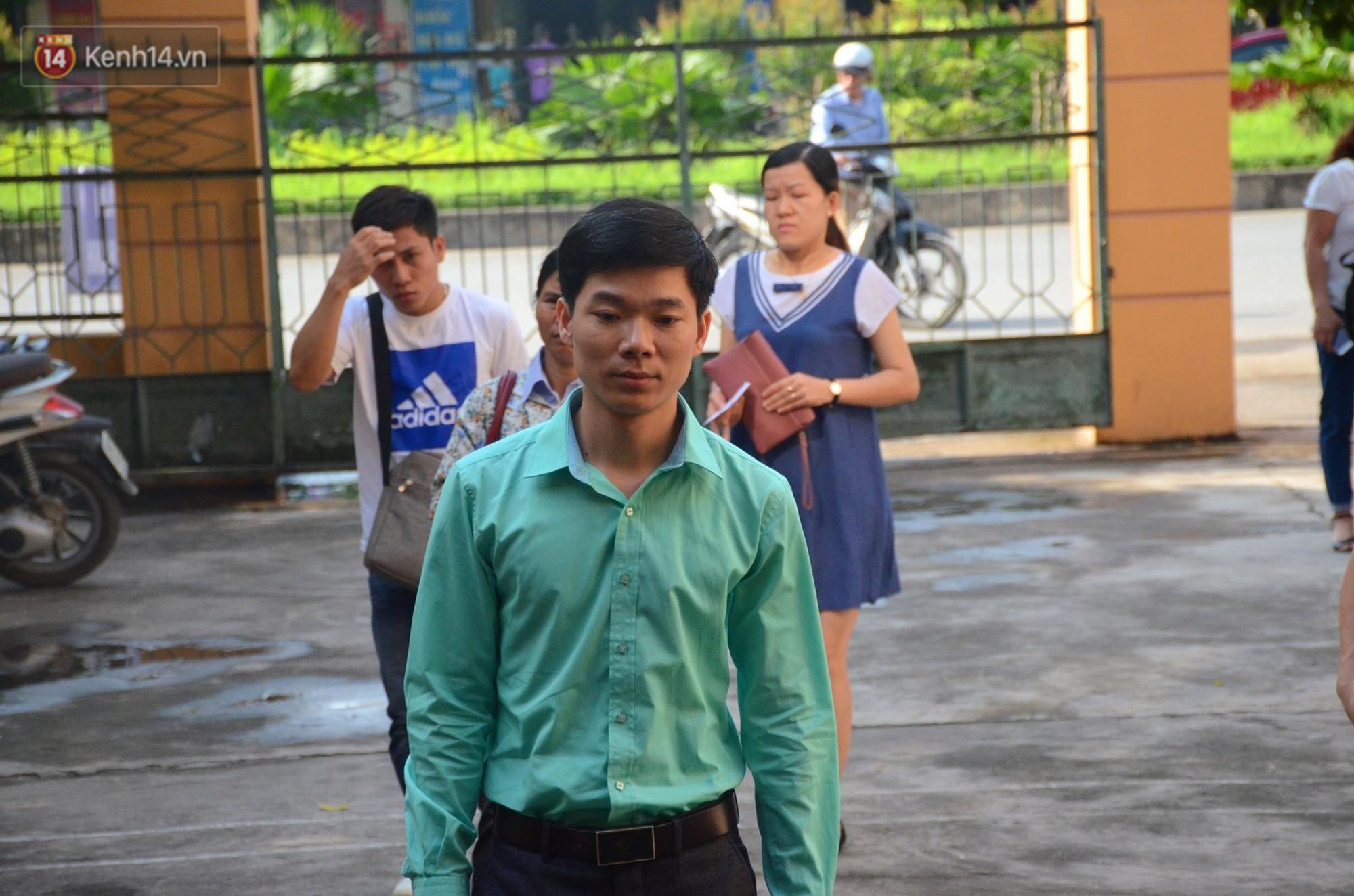 Điểm lại những tình tiết bất ngờ từ ngày đầu phiên xử bác sĩ Lương cho đến quyết định quay lại phần xét hỏi sau 10 ngày - Ảnh 8.
