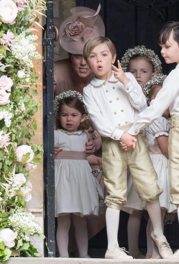 Những hình ảnh cho thấy công nương Anh cao quý cũng có những phút giây mẹ bỉm sữa như bao người - Ảnh 2.
