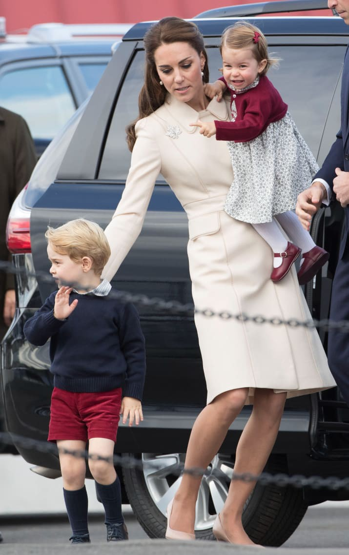 Những hình ảnh cho thấy công nương Anh cao quý cũng có những phút giây mẹ bỉm sữa như bao người - Ảnh 5.