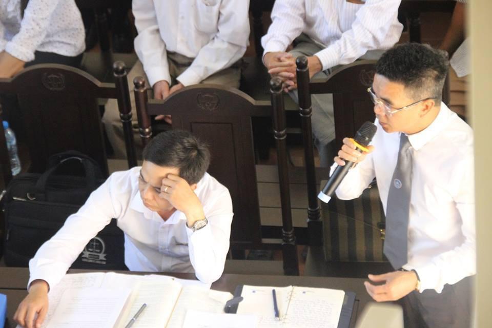 Điểm lại những tình tiết bất ngờ từ ngày đầu phiên xử bác sĩ Lương cho đến quyết định quay lại phần xét hỏi sau 10 ngày - Ảnh 6.