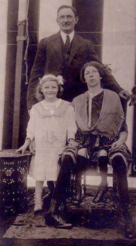 Cuộc đời người phụ nữ 4 chân: 13 tuổi làm ngôi sao gánh xiếc, sống đời sung túc với nghề triển lãm bản thân - Ảnh 3.