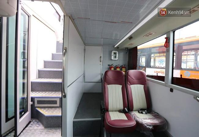 Xe buýt 2 tầng đầu tiên của Hà Nội chuẩn bị được đưa vào sử dụng - Ảnh 8.