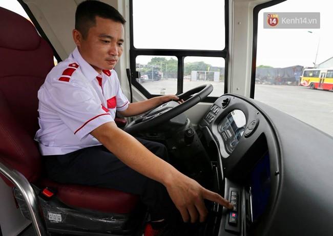 Xe buýt 2 tầng đầu tiên của Hà Nội chuẩn bị được đưa vào sử dụng - Ảnh 4.