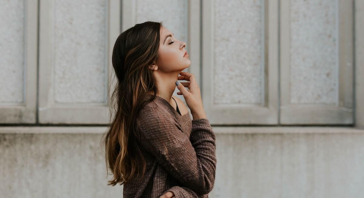 Dầu thừa tiết quá nhiều trên da mặt có thể tiết lộ nhiều điều liên quan đến sức khỏe của chúng ta - Ảnh 1.
