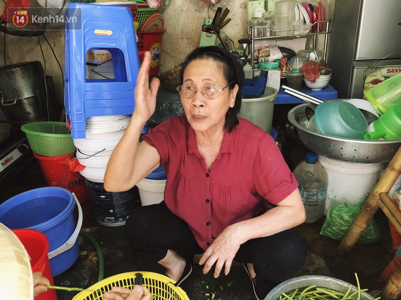 Quán bún ốc cô Thêm nổi tiếng Hà Nội bị tố pha nước dùng mất vệ sinh, chủ quán lên tiếng: 4 đời nhà tôi bán chả làm sao... - Ảnh 5.