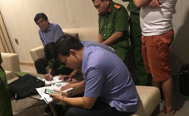 Phó chủ tịch VFF Nguyễn Xuân Gụ từ chức sau nghi vấn mua dâm ở khách sạn - Ảnh 1.