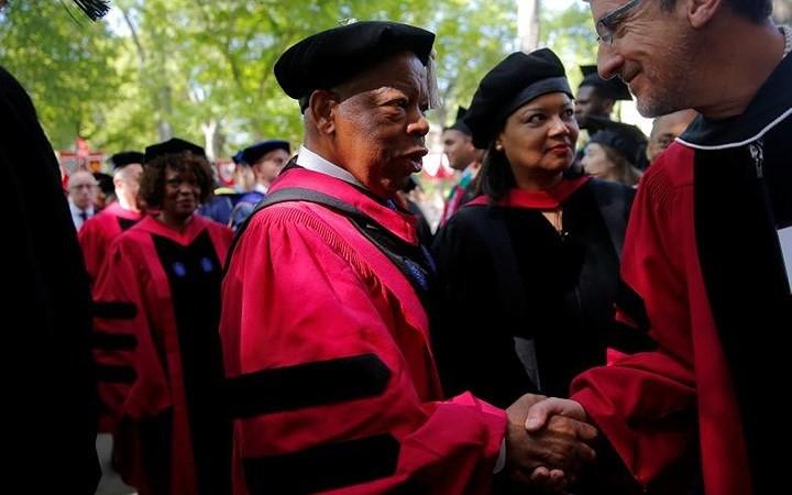 Ảnh: Hân hoan lễ tốt nghiệp tại các trường Đại học danh tiếng nước Mỹ - Ảnh 13.