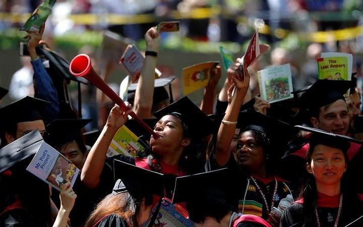 Ảnh: Hân hoan lễ tốt nghiệp tại các trường Đại học danh tiếng nước Mỹ - Ảnh 8.