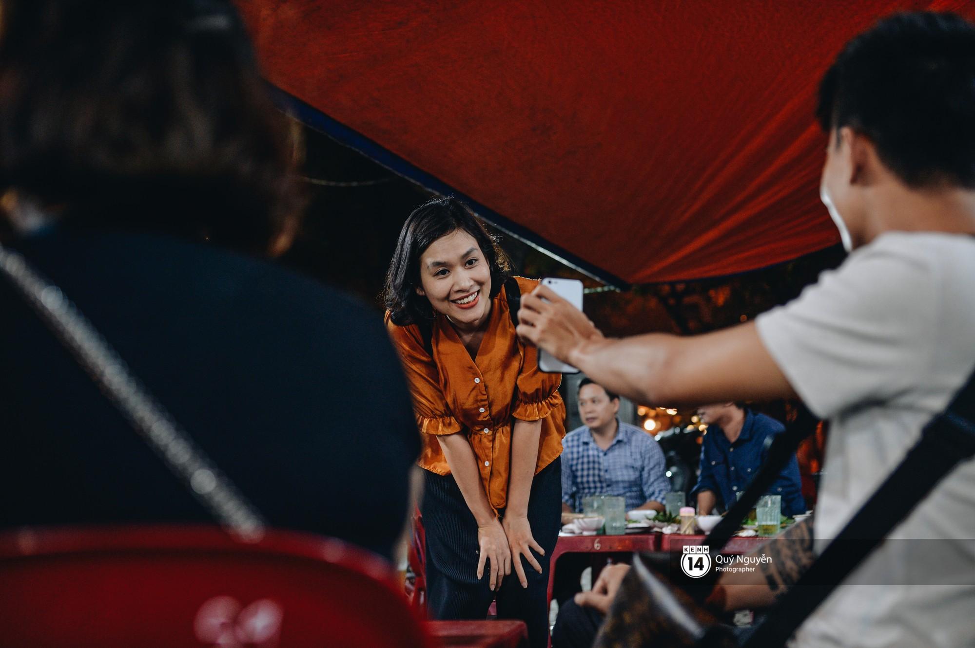 Cuộc sống hiện tại của Nguyệt trong 'Phía trước là bầu trời': Sáng đi dạy múa, tối về làm chủ quán bia ở Hà Nội