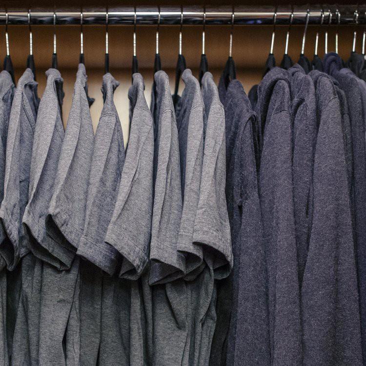 Sau 7 năm, cuối cùng Mark Zuckerberg cũng chịu thay combo áo xám-quần jeans thiếu muối huyền thoại - Ảnh 3.