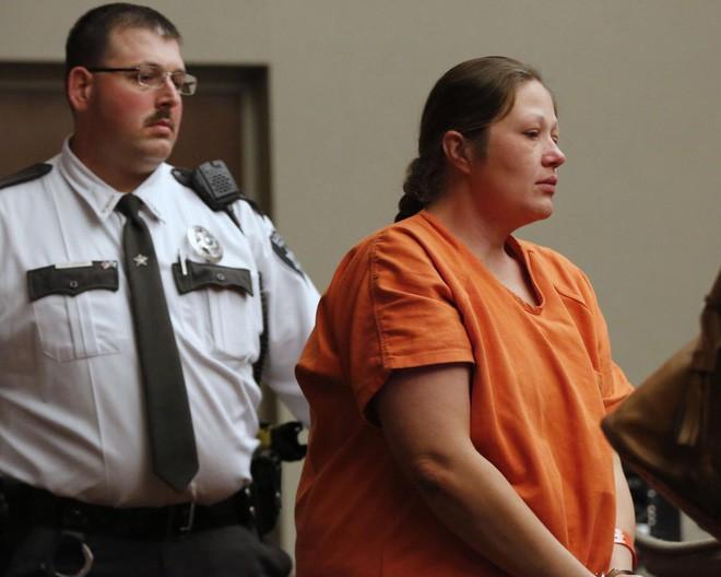 Bà mẹ đến báo với cảnh sát con gái 3 tuổi bị bắt cóc, 6 năm sau bí mật đáng sợ mới bại lộ và người mẹ lập tức bị tống giam - Ảnh 3.