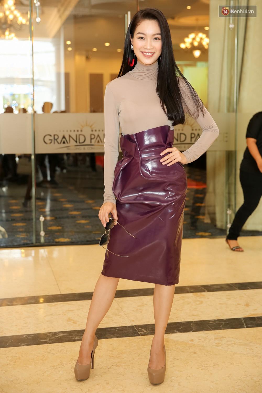 Hot girl Lâm Á Hân khoe vòng 1 sexy trong buổi casting The Face Vietnam 2018! - Ảnh 9.