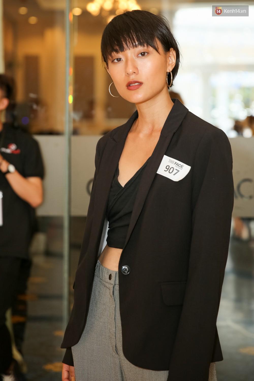 Hot girl Lâm Á Hân khoe vòng 1 sexy trong buổi casting The Face Vietnam 2018! - Ảnh 11.