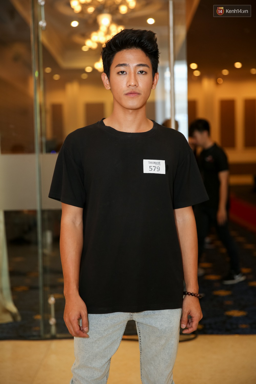 Hot girl Lâm Á Hân khoe vòng 1 sexy trong buổi casting The Face Vietnam 2018! - Ảnh 17.