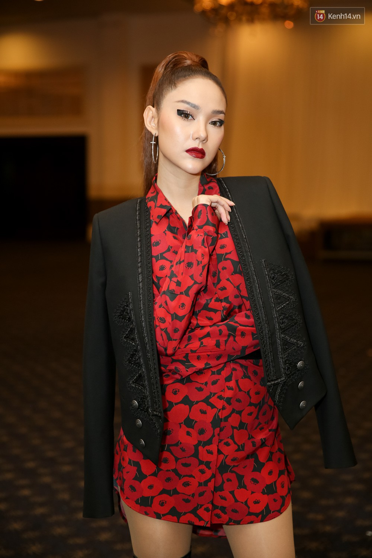 Minh Hằng - Võ Hoàng Yến lạnh lùng, xa cách trong lần đầu gặp mặt tại buổi casting The Face - Ảnh 1.