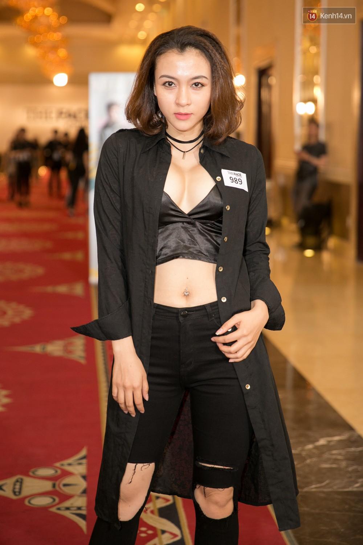 Hot girl Lâm Á Hân khoe vòng 1 sexy trong buổi casting The Face Vietnam 2018! - Ảnh 13.