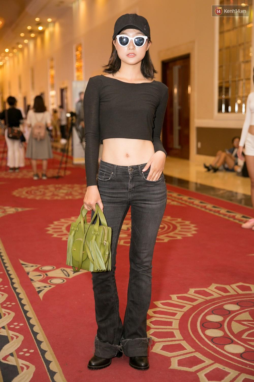 Hot girl Lâm Á Hân khoe vòng 1 sexy trong buổi casting The Face Vietnam 2018! - Ảnh 5.