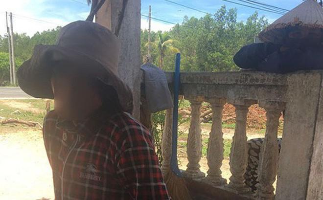 Mẹ bé trai bị chôn sống ở Bình Thuận: Có chôn đâu, chỉ đặt nó xuống và cào đất phủ lên - Ảnh 1.