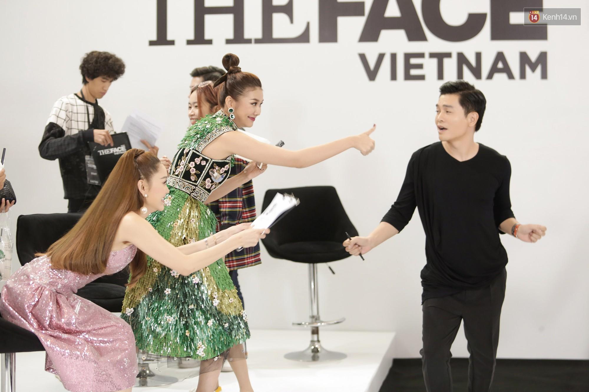 The Face ngày 2: Vắng mặt Võ Hoàng Yến, Song Hằng nhí nhố trong hậu trường với Nam Trung - Ảnh 15.