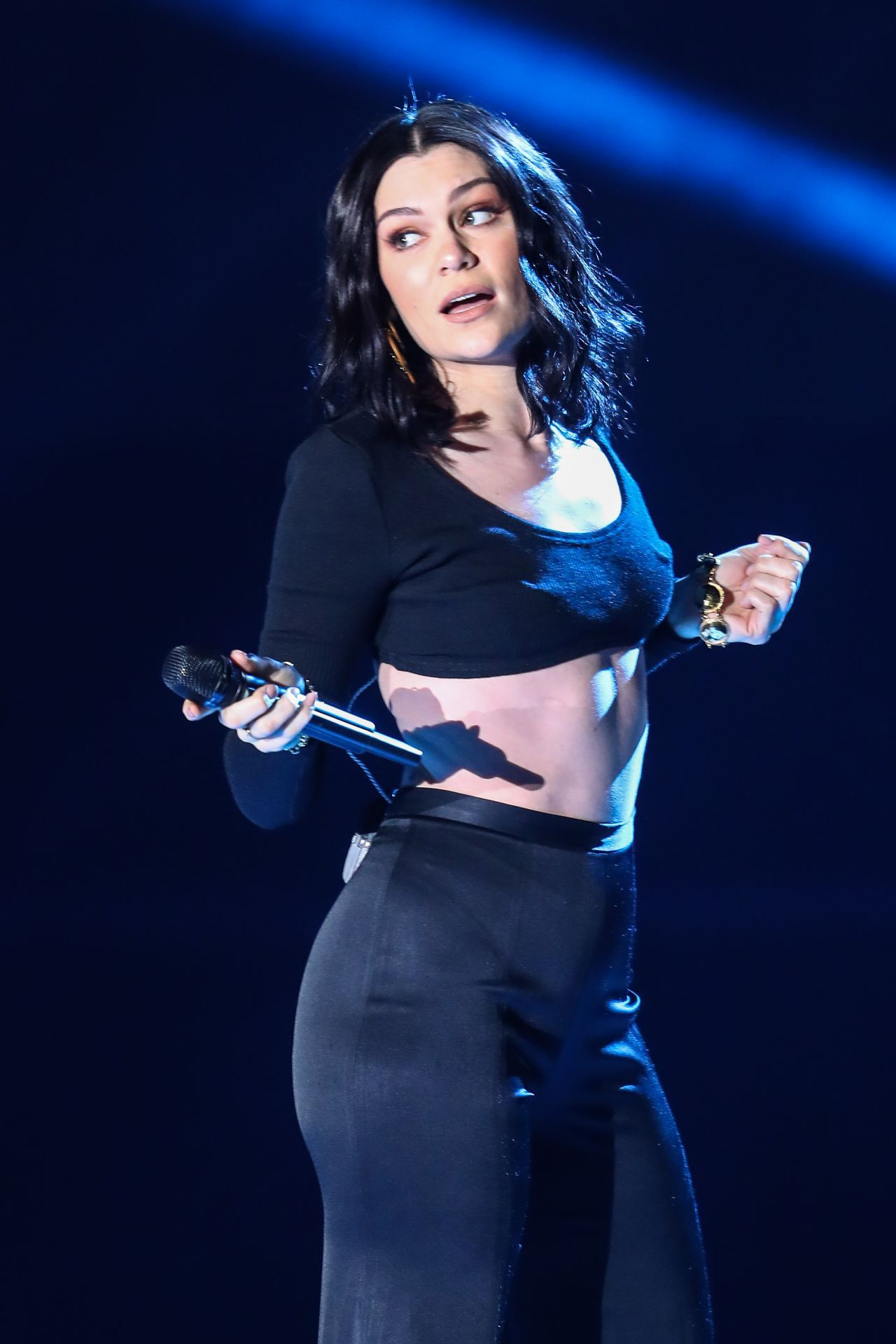 jessie-j-we-day-show-at-wembley-arena-in-london-3-22-2017-1-1527752508530113268036.jpg