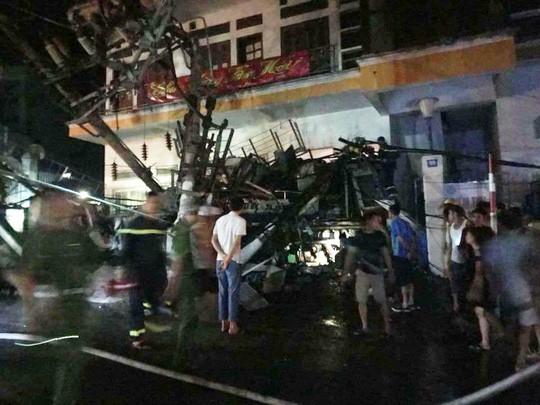 Tai nạn kinh hoàng ở Cát Bà, 4 người thương vong, mất điện diện rộng kenh14.vn › Xã hội