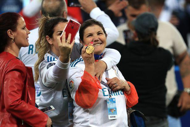 Mẹ Cristiano Ronaldo muốn con trai trở lại Man Utd - Ảnh 2.