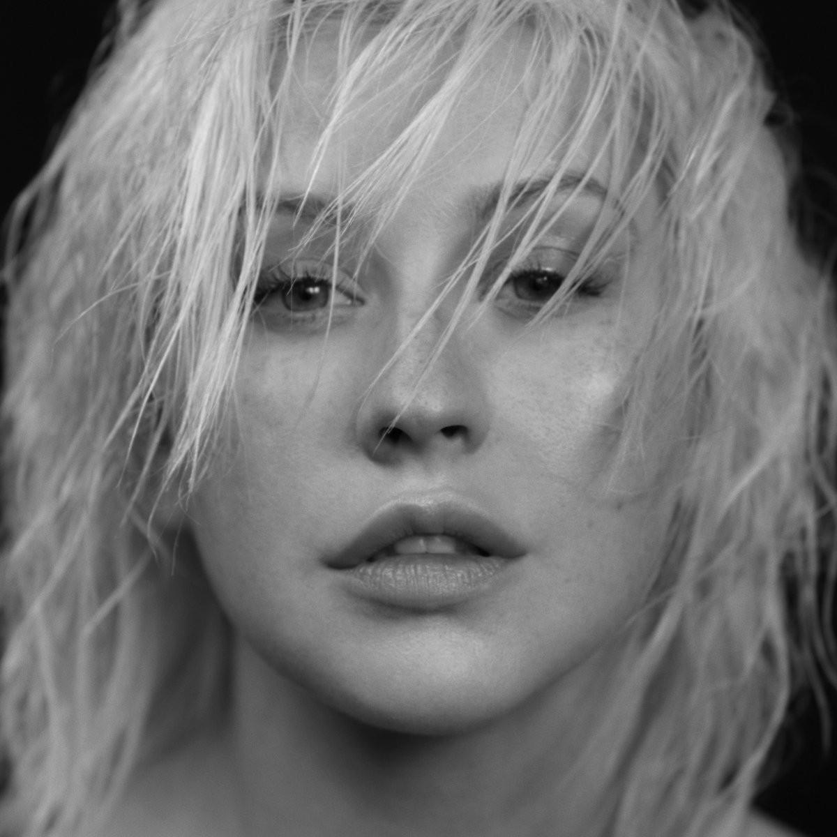 Trở lại sau 6 năm mất tích, Christina Aguilera nhầy nhụa bán nude táo bạo trong MV mới - Ảnh 6.