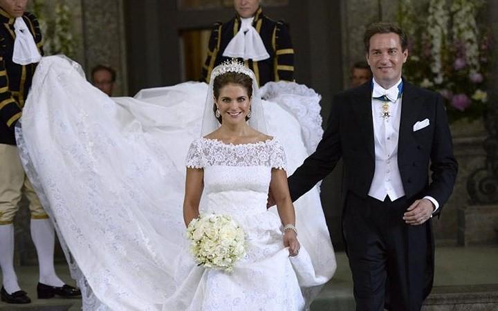Những bộ váy cưới Hoàng gia mà cô gái nào cũng ao ước khoác lên mình - Ảnh 12.