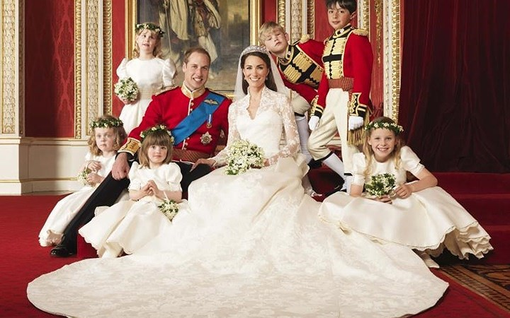 Những bộ váy cưới Hoàng gia mà cô gái nào cũng ao ước khoác lên mình - Ảnh 18.