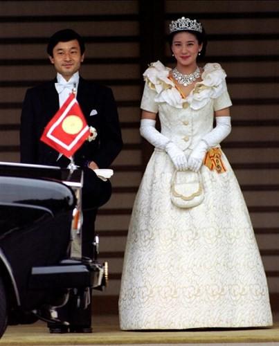 Những bộ váy cưới Hoàng gia mà cô gái nào cũng ao ước khoác lên mình - Ảnh 3.