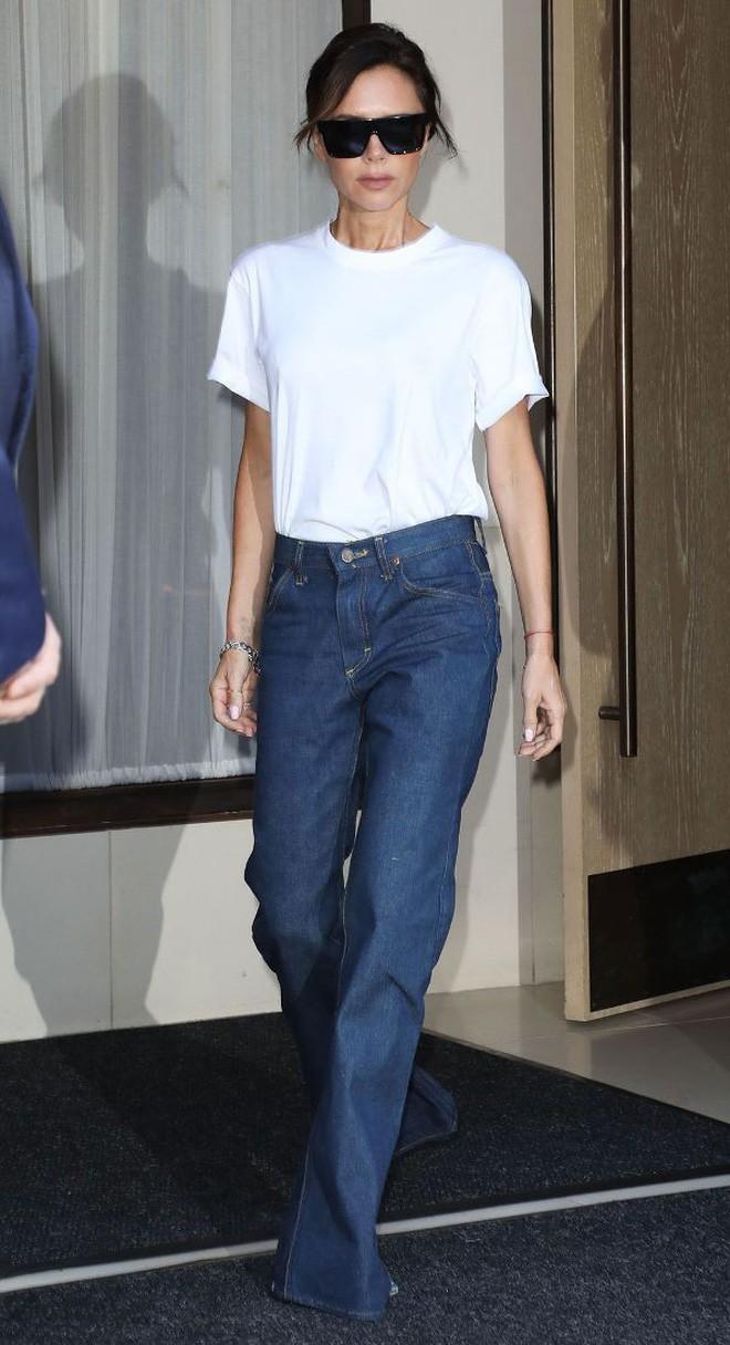 3 chi tiết mà Victoria Beckham luôn chú trọng để tìm được chiếc áo phông thật chuẩn - Ảnh 5.