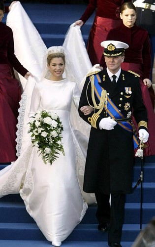 Những bộ váy cưới Hoàng gia mà cô gái nào cũng ao ước khoác lên mình - Ảnh 6.