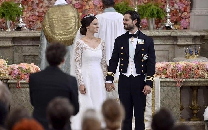 Những bộ váy cưới Hoàng gia mà cô gái nào cũng ao ước khoác lên mình - Ảnh 10.