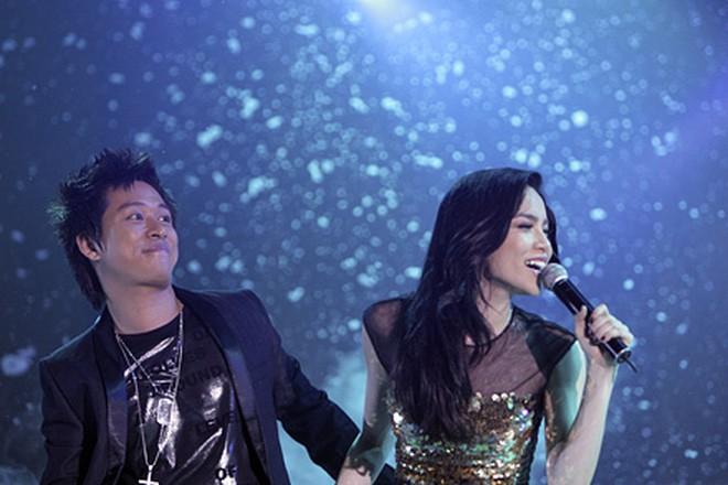 MC Nguyên Khang hỏi về tin đồn từng yêu Hồ Ngọc Hà, Tuấn Hưng trả lời cực gắt trên sân khấu - Ảnh 2.