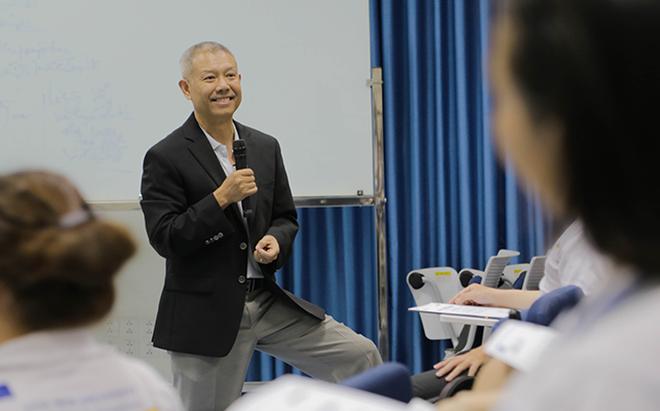 Không đủ chuẩn làm Hiệu trưởng ĐH Hoa Sen, GS quần đùi Trương Nguyện Thành nói lời tạm biệt Việt Nam để trở về Mỹ - Ảnh 3.