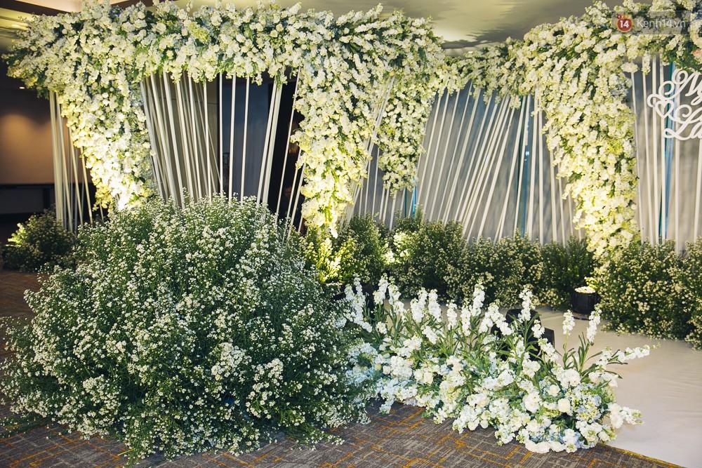 Khung cảnh sang trọng, ngập tràn sắc hoa bên trong tiệc cưới ngôn tình của Diệp Lâm Anh - Ảnh 8.