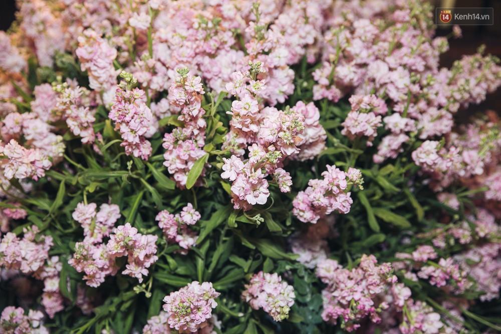 Khung cảnh sang trọng, ngập tràn sắc hoa bên trong tiệc cưới ngôn tình của Diệp Lâm Anh - Ảnh 13.