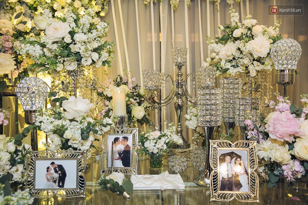 Khung cảnh sang trọng, ngập tràn sắc hoa bên trong tiệc cưới ngôn tình của Diệp Lâm Anh - Ảnh 1.