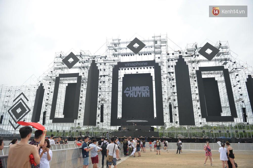 Cận cảnh sân khấu khủng đạt kỷ lục Guinness Việt Nam của đại nhạc hội có Above & Beyond tham gia tối nay - Ảnh 6.
