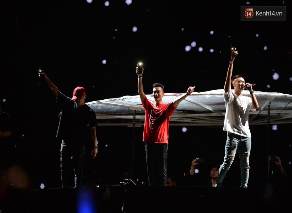 Cuối cùng Above & Beyond cũng xuất hiện, bầu không khí đại nhạc hội EDM nóng hơn bao giờ hết! - Ảnh 6.