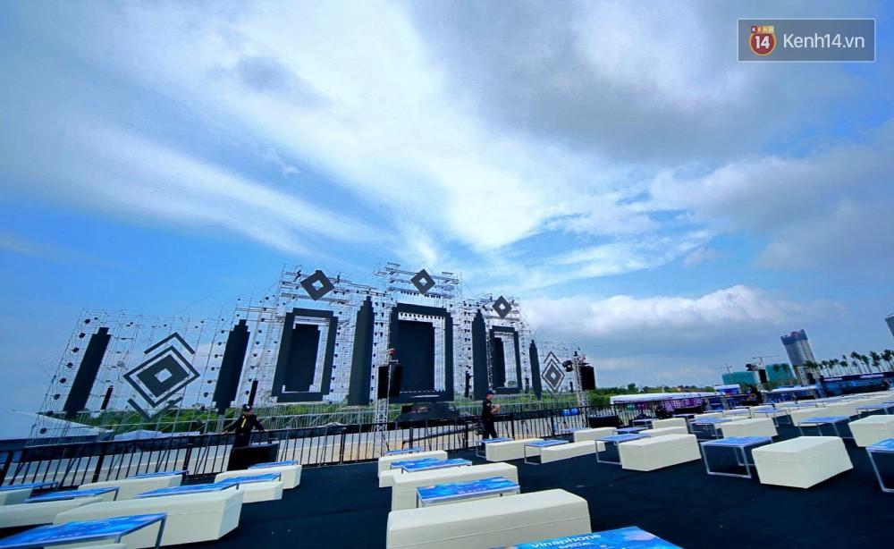 Cận cảnh sân khấu khủng đạt kỷ lục Guinness Việt Nam của đại nhạc hội có Above & Beyond tham gia tối nay - Ảnh 3.