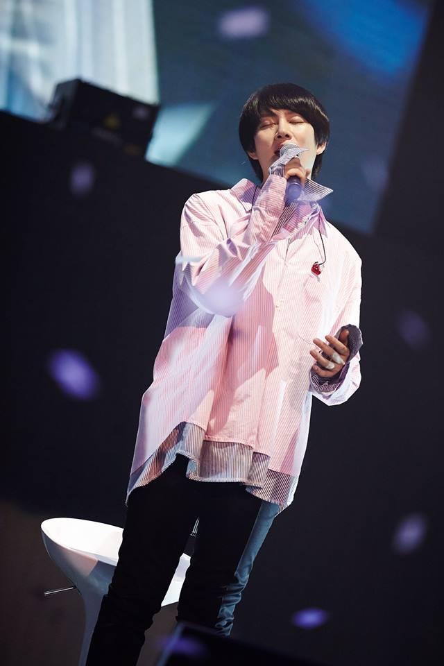 Super Junior cho fan ná thở với loạt ảnh lung linh từ tour thế giới - Ảnh 3.