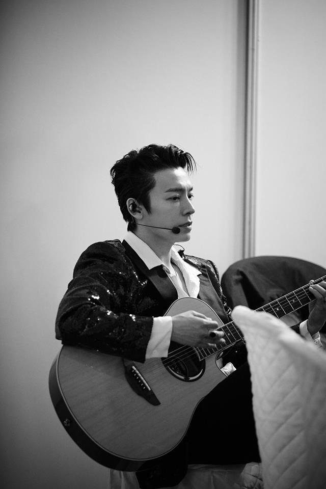 Super Junior cho fan ná thở với loạt ảnh lung linh từ tour thế giới - Ảnh 20.