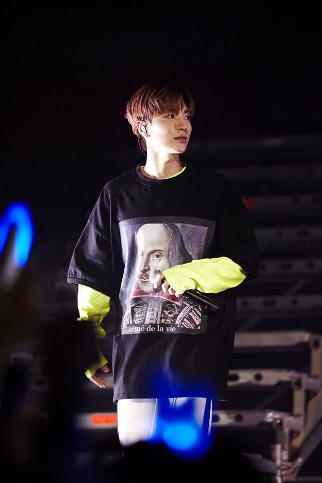 Super Junior cho fan ná thở với loạt ảnh lung linh từ tour thế giới - Ảnh 32.