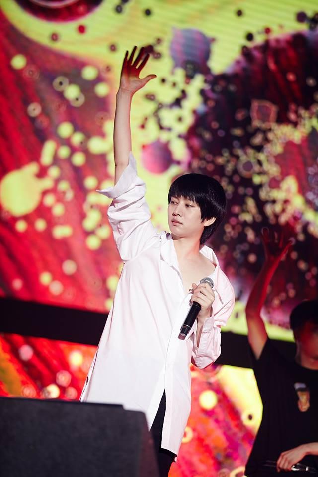Super Junior cho fan ná thở với loạt ảnh lung linh từ tour thế giới - Ảnh 34.