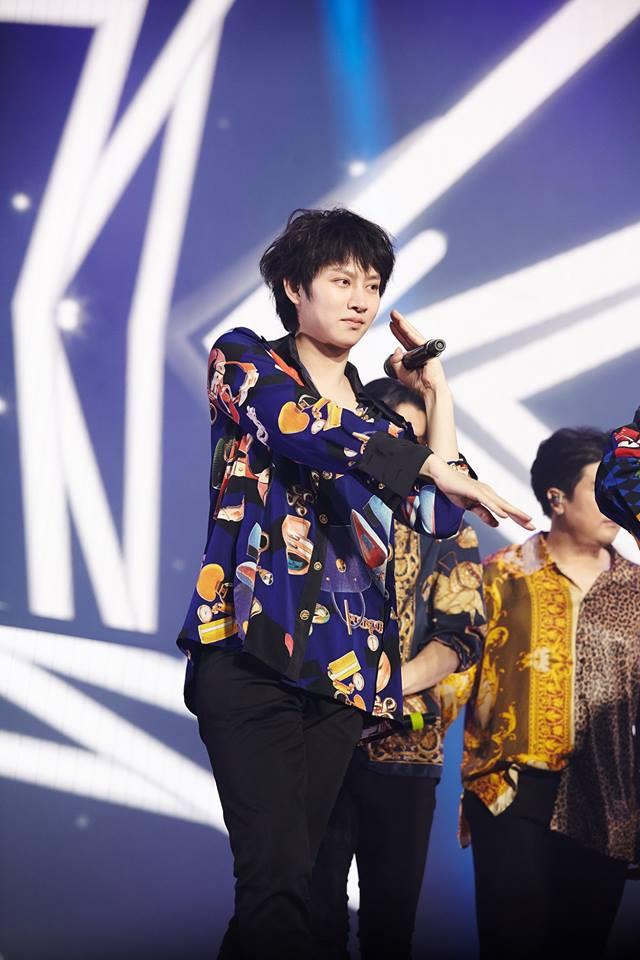 Super Junior cho fan ná thở với loạt ảnh lung linh từ tour thế giới - Ảnh 36.