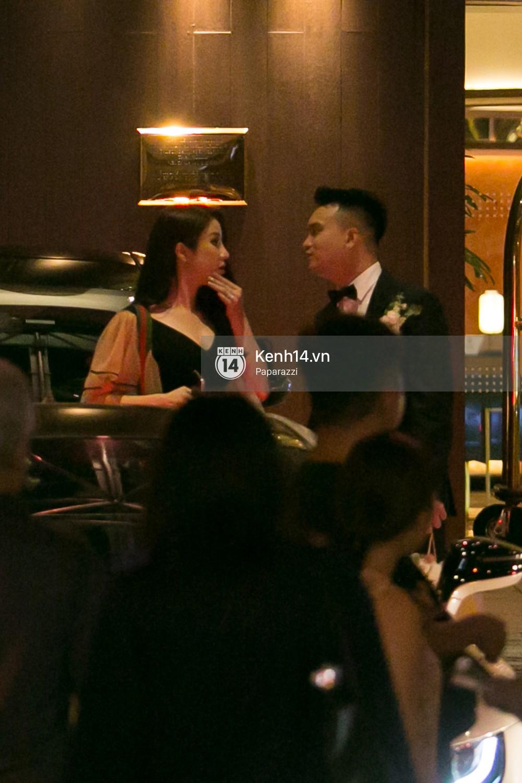 Sau đám cưới, Diệp Lâm Anh thay trang phục giản dị, lên xe 7 tỷ đồng về thẳng nhà chồng - Ảnh 3.